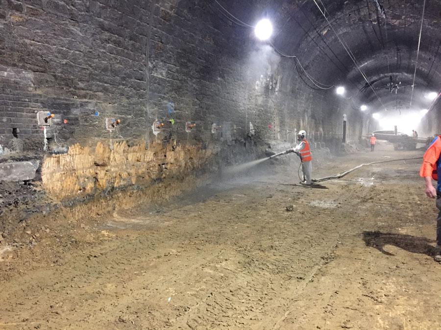 Longuyon Renforcement des piédroits du tunnel