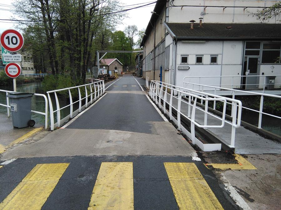 Démolition et reconstruction d'un pont
